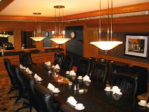 Perfect for VIP dinner meetings for up to 14 guests, the Executive Boardroom can be accented with full Anchorage service!
